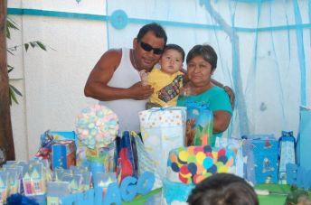 Con los abuelitos paternos, Misael Ordoñez e Isabel Cohuo