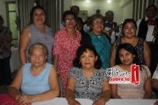 Con Rita Castro, Patricia Dzib, Sara Minelia Lara, Noemí Lara, Mayte Dzib, y Ana Osorio.