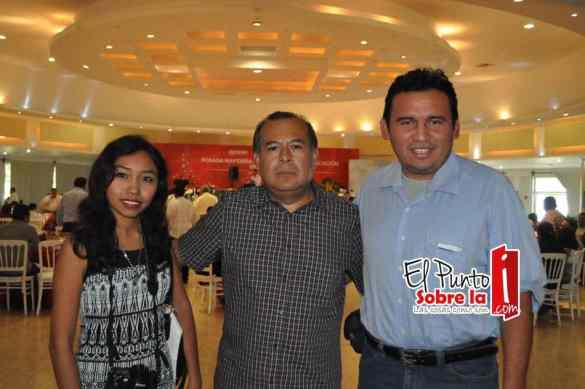 Wendy Cardenas, Javier Chavez y Herlindo Vazques.