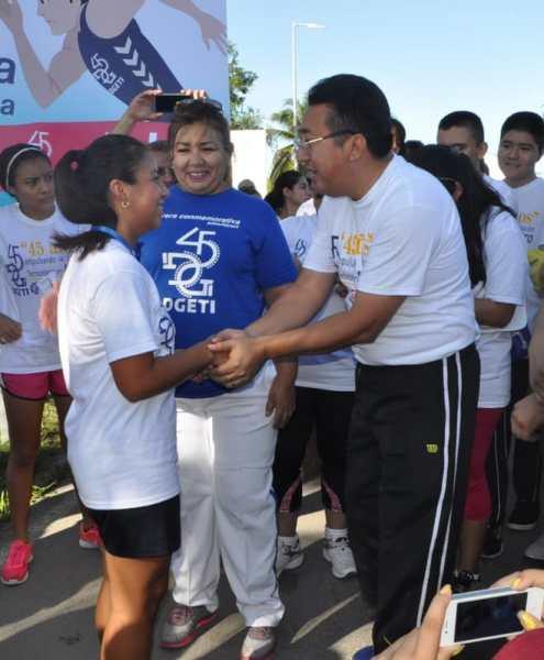 Mayte Che del CBTIS 214, logro tercer lugar, con número de participación 404