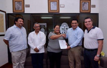 La Gran Comisión, designó a la licenciada Brenda Liz Sanromán Ovando como nueva titular de la Dirección de Control del Proceso Legislativo y Protocolo, en sustitución del licenciado Benjamín Trinidad Vaca González.