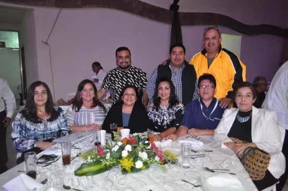 Maribel Torres, Idalia Carrillo, Silvia Hernández, Paulina Gutiérrez, Juan José López, Martha Torrero, Román Vila, Alex Peza y Gregorio Yupit.