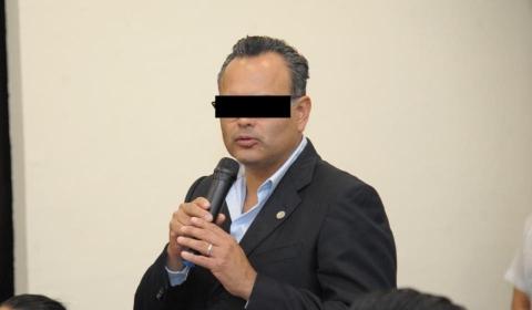 https://laverdadnoticias.com/quintanaroo/Denuncian-al-Presidente-de-la-Barra-de-Abogados-de-Quintana-Roo-por-violacion-20210722-0064.html