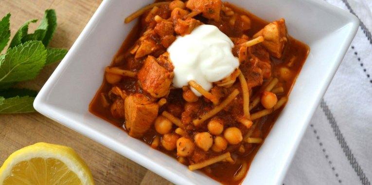 Sopa de Tomate y Pollo Picante