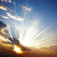 El Cielo Se Abre y Las Nubes Se Apartan...