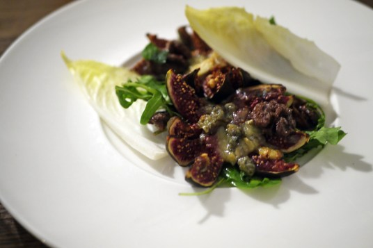 Blue cheese figs, candied walnut salad