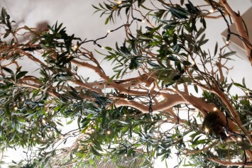 Gusto interior tree detail