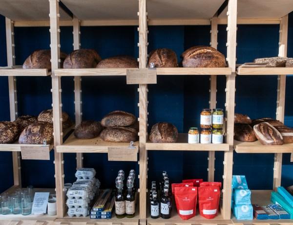 Pollen bakery shelves