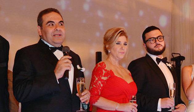 Ex presidente Saca autorizó sobresueldos y pagos a Ana Ligia de Saca con dinero público
