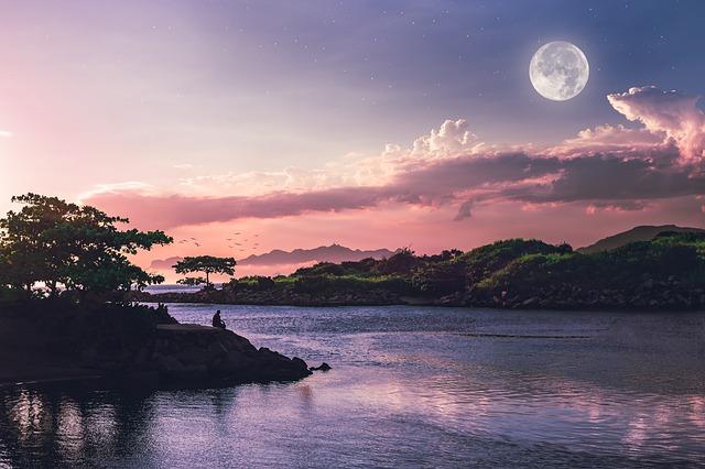 Luna Llena en Abril: Rituales de Amor