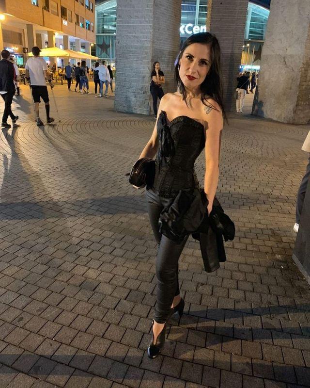 Una fotografía de Lorena con un corset de elsecretodecarol.com. ¡Gracias por compartirla!
