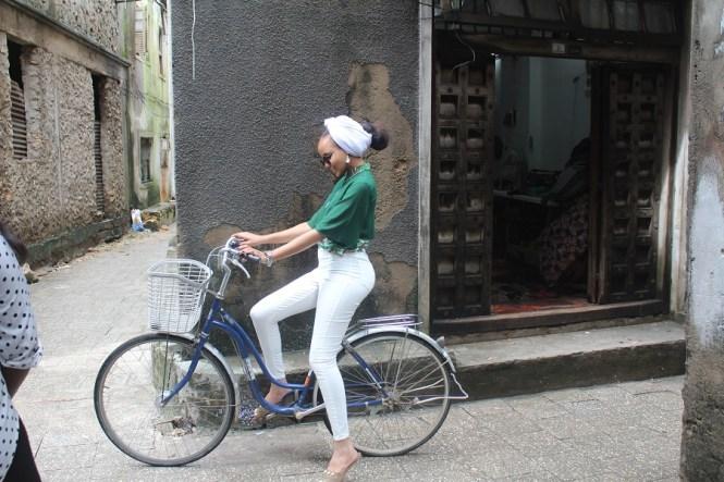 Fatima in Zanzibar - elsieisy blog