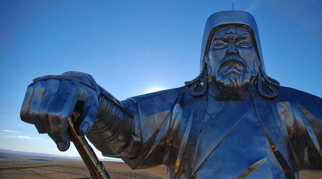 Terelj national park en Genghis Khan standbeeld