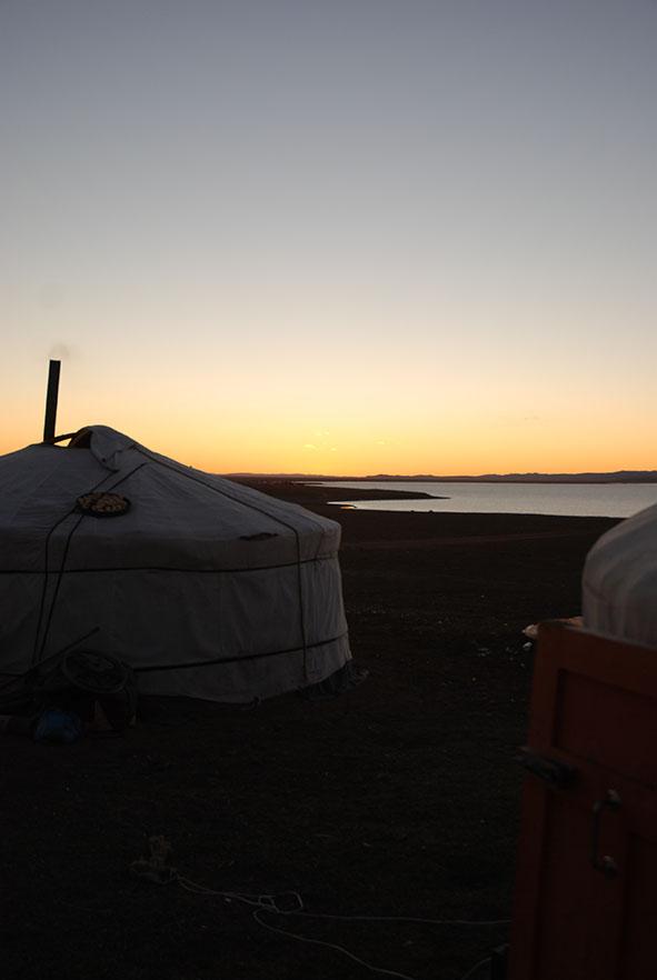 Zonsondergang Ugii meer Mongolië