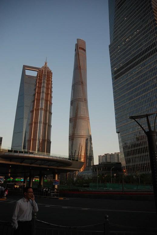 Drie hoogtse gebouwen in Shanghai: Shanghai World Financial Center, Jin Mao Tower en Shanghai Tower China