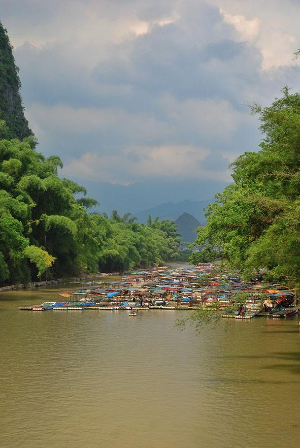 Xingping bootjes in het water