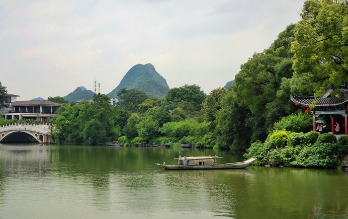 Ronghu Shanhu lake Guilin China