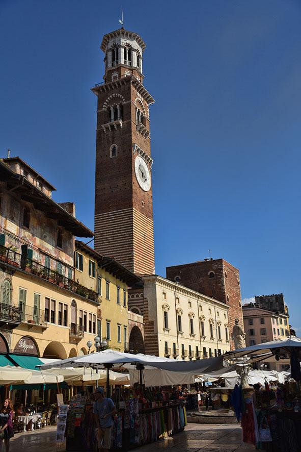 Verona Italië Piazza Erbe toren
