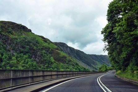 Rijden door Schotland op een road trip