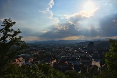 Zicht op Ljubljana vanaf het kasteel