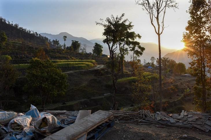 Vrijwilligerswerk Nepal zonsopkomst boven de bouwplaats