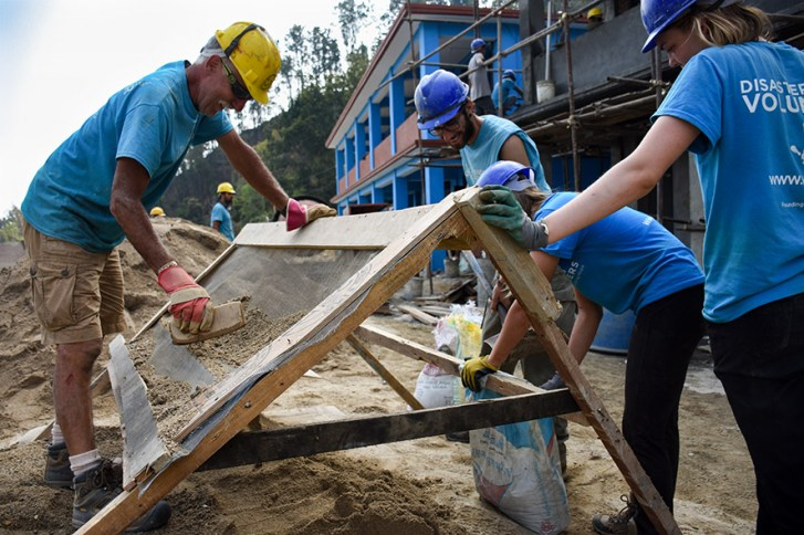 All Hands Volunteers Nepal zand zeven
