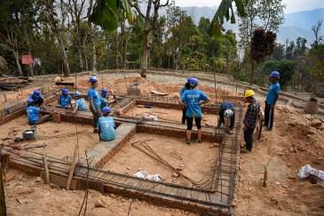Huis bouwen vrijwilligerswerk Nepal All Hands Volunteers