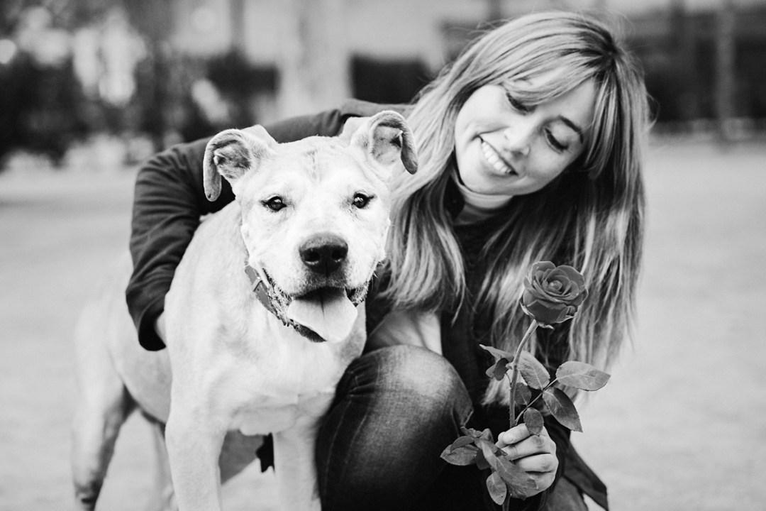 reportaje de perro PPP American Stanford y chica le