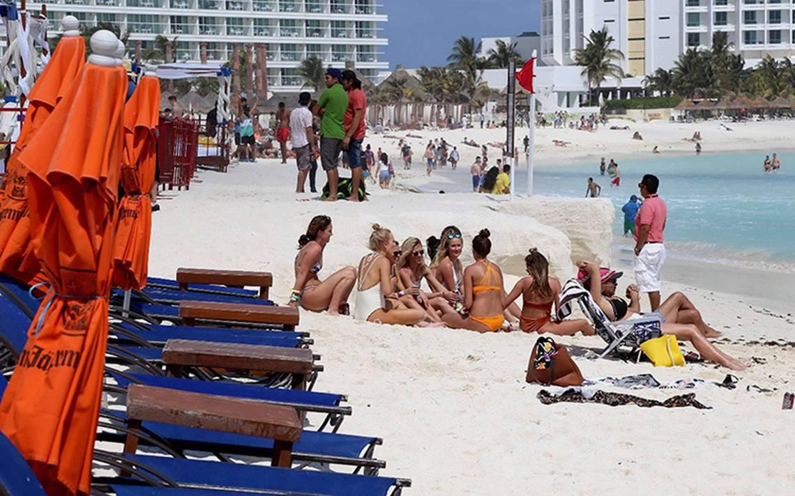 Resultado de imagen de Coronavirus 'cancela' el spring break de los jóvenes estadounidenses en México