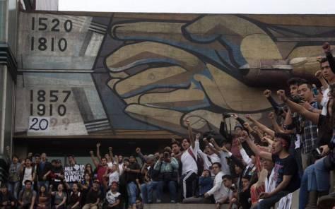 Resultado de imagen para Llega a Rectoría marcha de estudiantes de Prepa 2}
