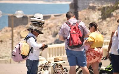 Exige IP controlar el ambulantaje en la zona del malecón de Mazatlán - El  Sol de Mazatlán   Noticias Locales, Policiacas, sobre México, Sinaloa y el  Mundo