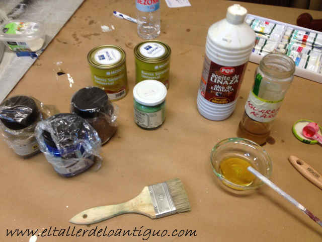 10-hacer-veladuras-con-barniz-para-muebles