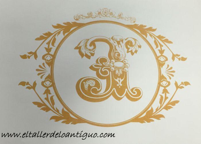 14-pintar-monogramas-en-muebles