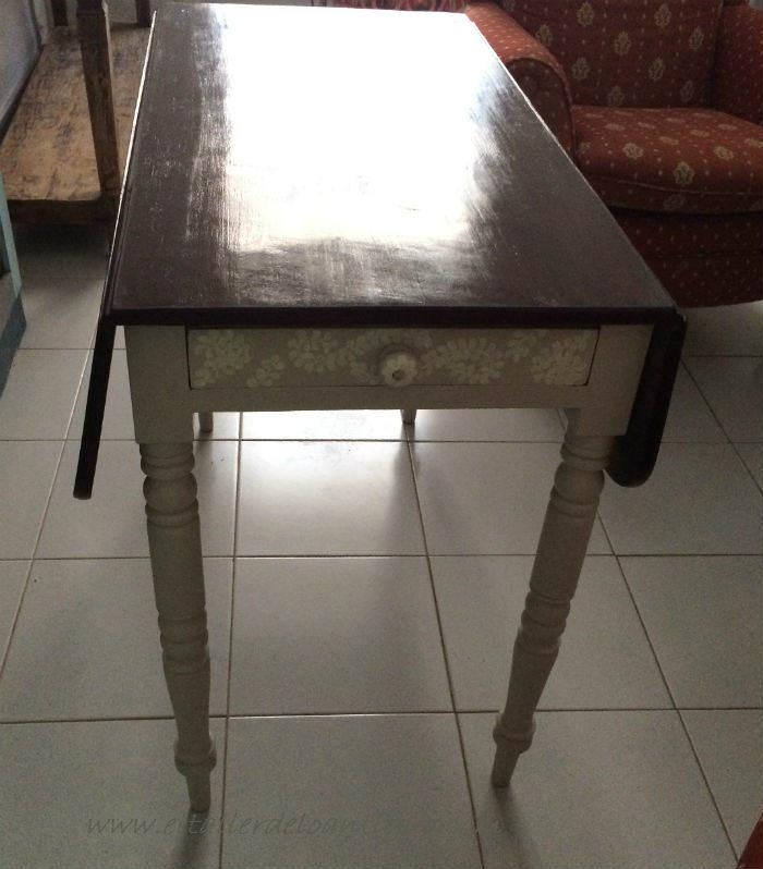 17-pintar-una-mesa-de-caoba-con-elegancia