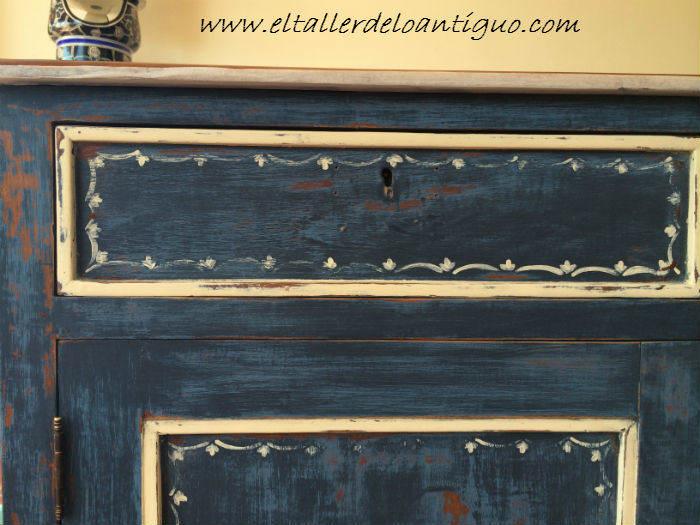 16-Pintura-decorativa-en-un-mueble-ingles