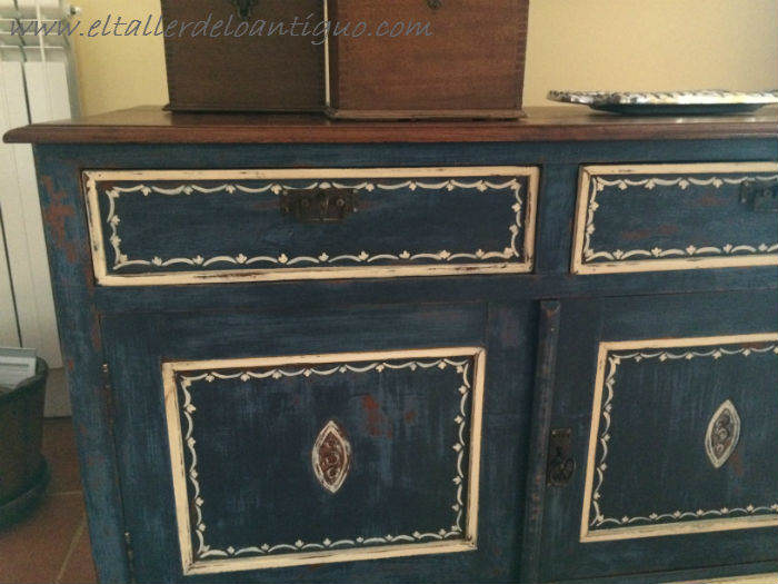 17-Pintura-decorativa-en-un-mueble-ingles