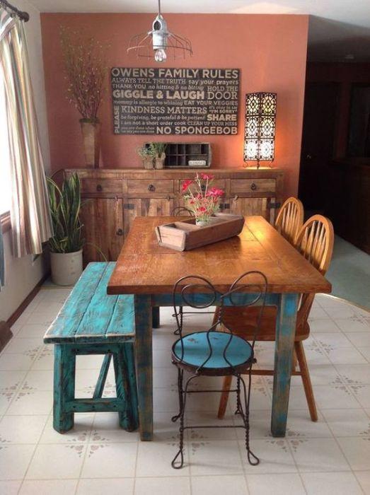 Integrar muebles de diferentes materiales en un mismo entorno.