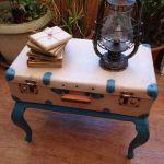 Restaurar maleta antigua y decora con ella