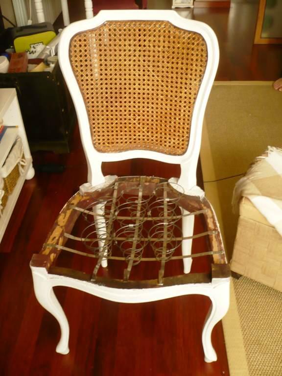 Como tapizar silla de muelles el taller de lo antiguo for Tapizar sillas comedor