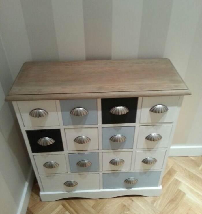 Reinventa con pintura de cl sico a moderno el taller - Transformar muebles viejos ...