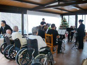 Escuela de Musica de Valle Gran Rey en su visita a los mayores