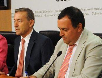 Firma Gobcan-Fecam Emergencia Social 2014 Manuel Ramon