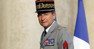 """""""No permitiré que me jodan"""": dimite el jefe del Ejército francés tras el enfrentamiento con Macron"""