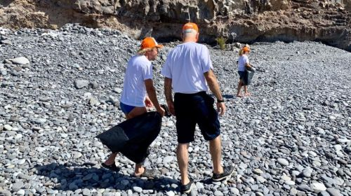 El Cabildo y Aglayma avanzan en la limpieza del litoral de San Sebastián La Gomera