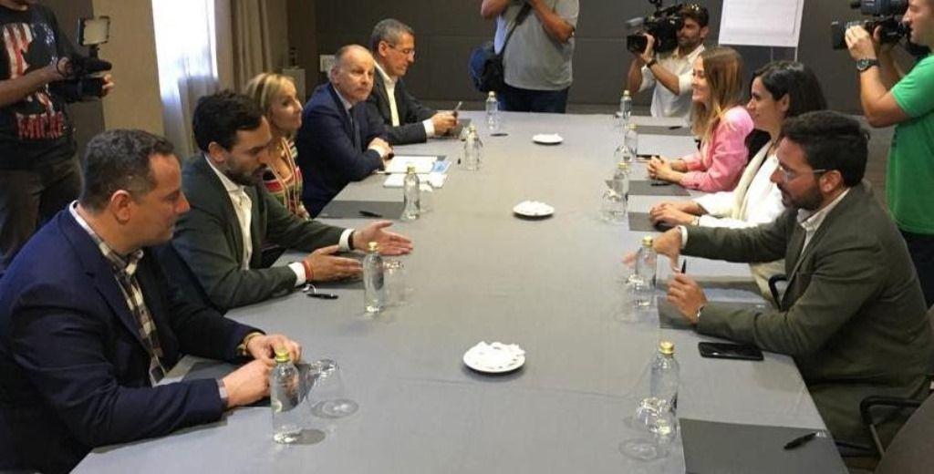 Espino ciudadanos explorar un acuerdo con psoe y pp for Acuerdo de gobierno psoe ciudadanos