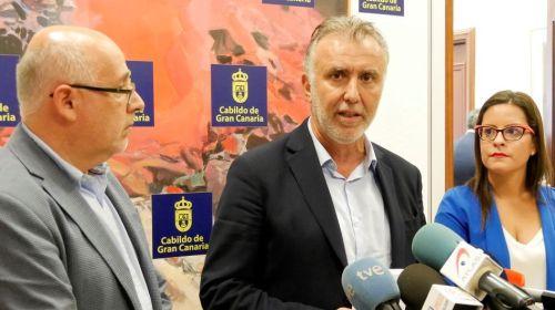 El Gobierno de Canarias recibe el apoyo de todos los cabildos para afrontar la quiebra de  Thomas Cook