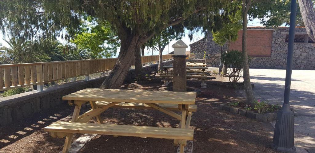 Valle Gran Rey mejora la accesibilidad de sus zonas recreativas con proyectos subvencionados en las ayudas para áreas de influencia de los Parques Nacionales