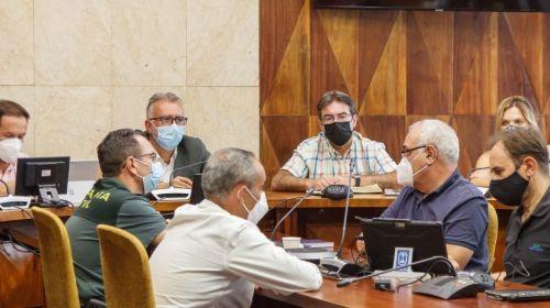 Torres se reúne con el Cabildo de La Palma y los ayuntamientos afectados por el volcán para obtener suelo para viviendas alternativas
