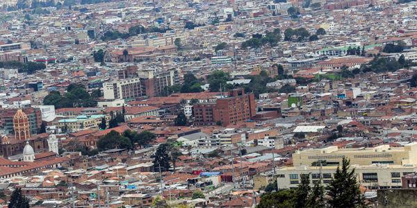 Así se ve hoy Bogotá. Se evidencia falta de árboles.