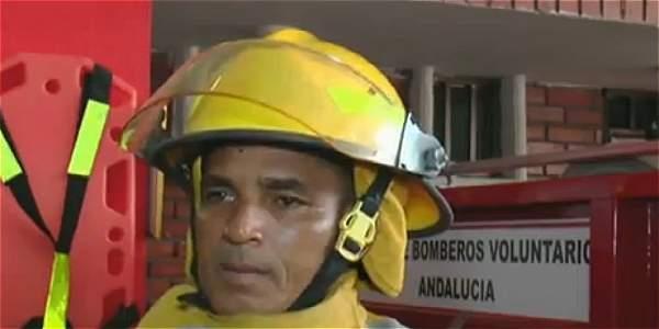 Luis Alfonso Escobar, bombero que atendió el caso.